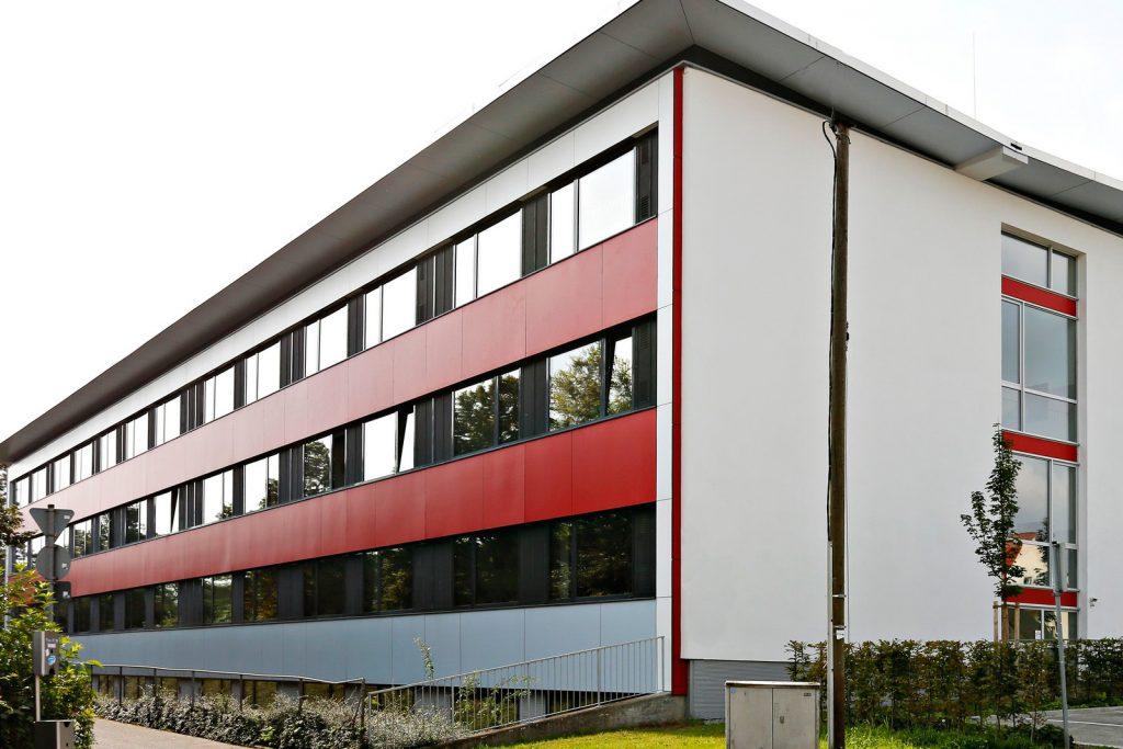 Fassade der Schule Nord nach der Sanierung