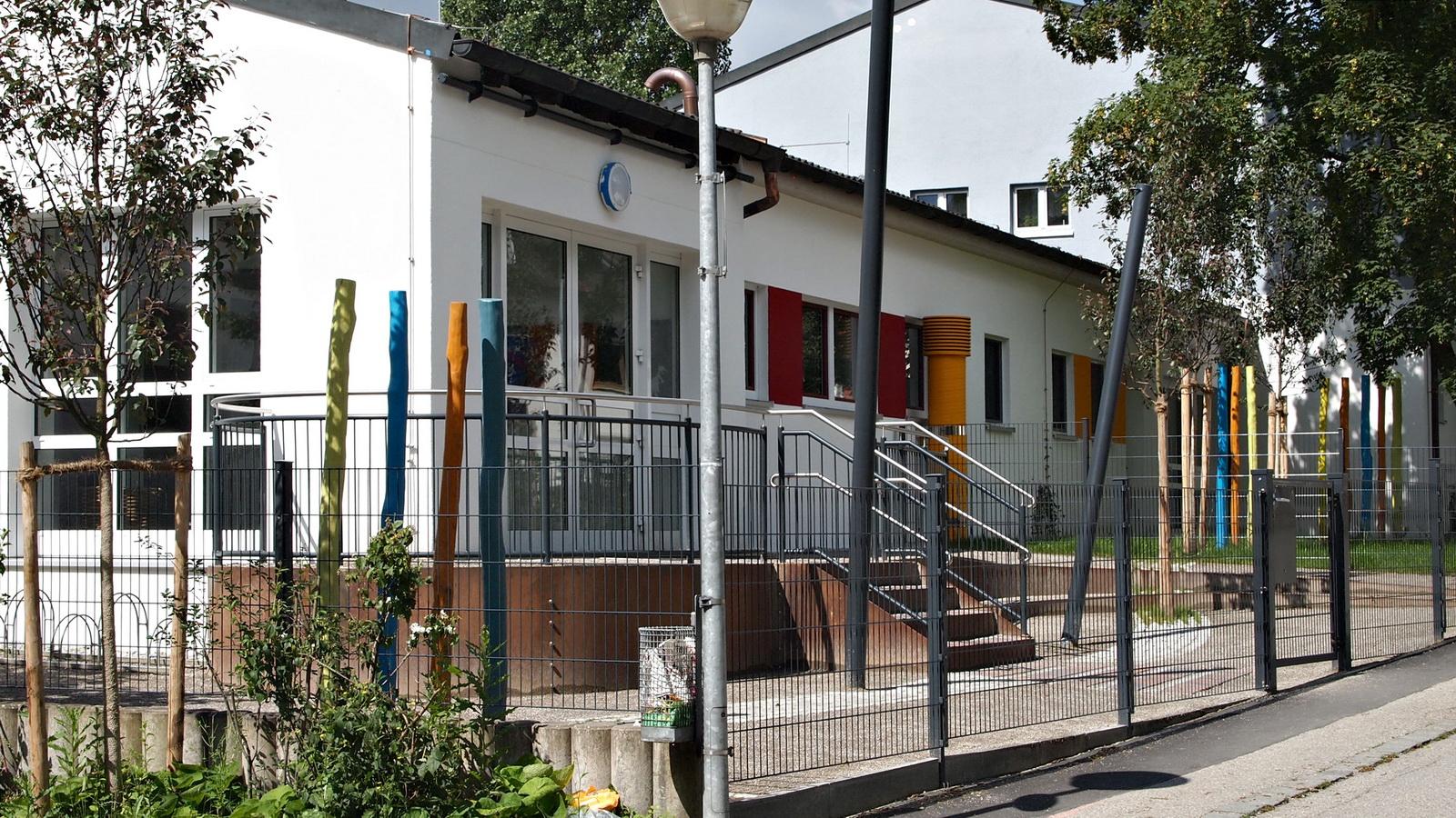 Eingangsbereich vom Kindergarten Fruehlingsstrasse in FFB