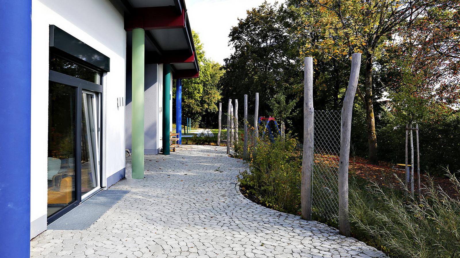 Aussenanlage im Kindergarten Guenzlhofen